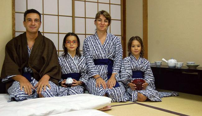 en kyoto con kimonos iati seguros