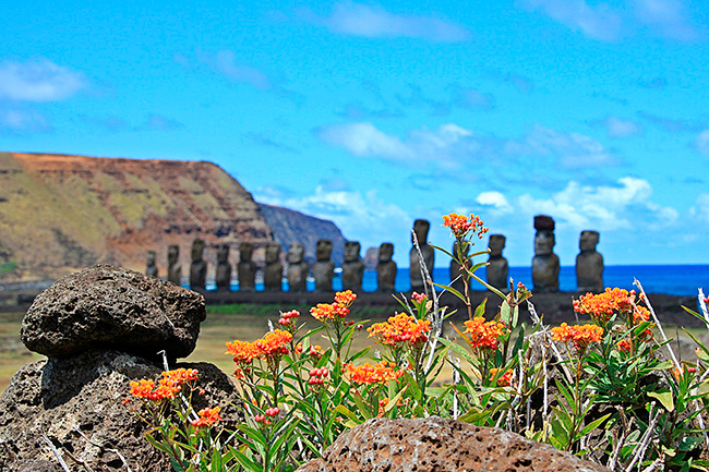 ILLA-DE-PASQUA-moais-i-flors