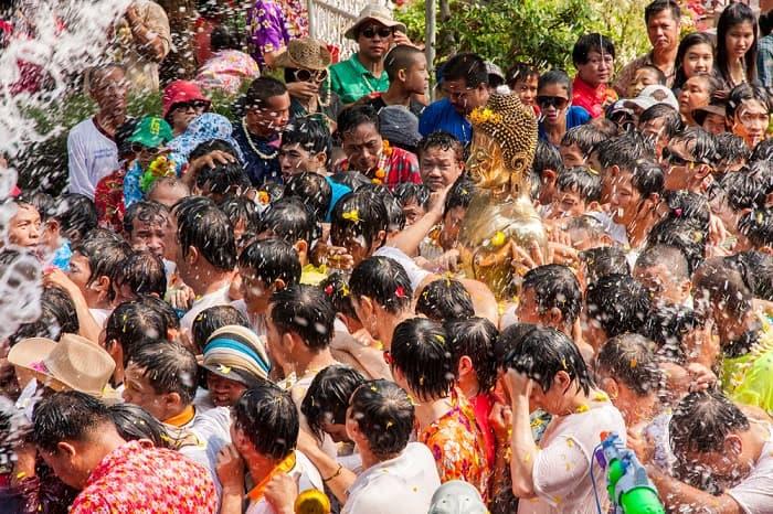 El festival del las aguas, Tailandia