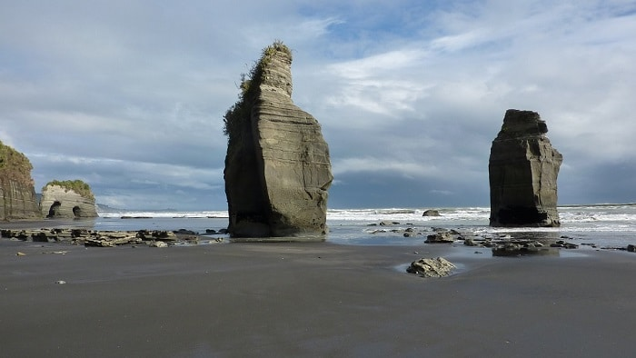 three-sisters-beach-comoserunkiwi