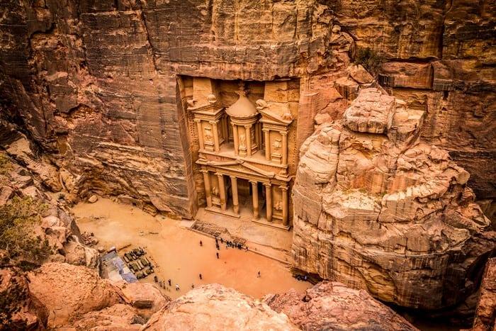 es_seguro_viajar_a_jordania_iati
