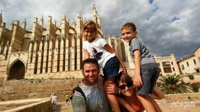 familia de viagem por maiorca