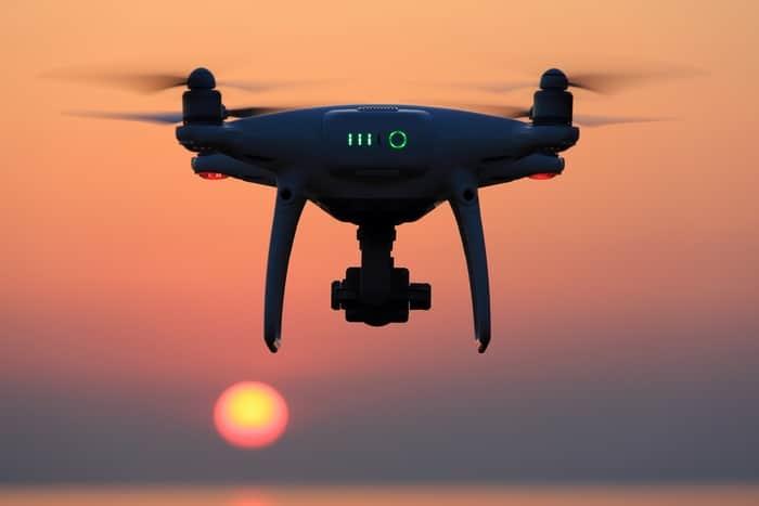 leyes viajar con drone