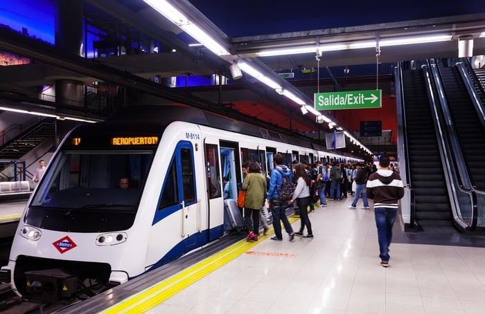 llegar al Aeropuerto de Madrid en metro