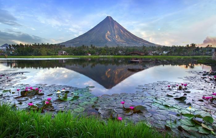 Monta Mayón, Filipinas