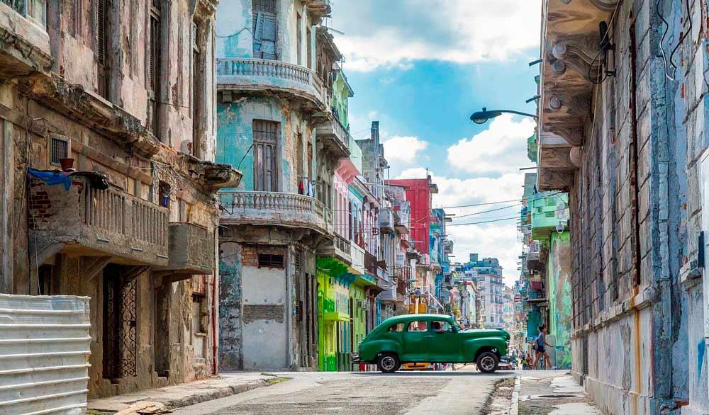 contratar seguro médico internacional a Cuba