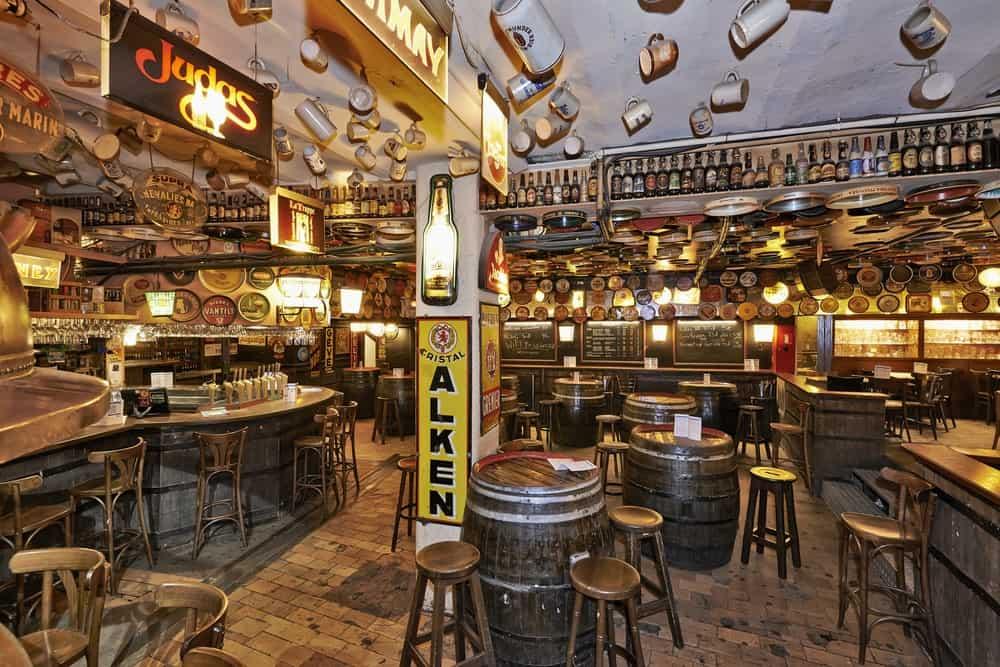 cerveza en el Delirium Café de Bruselas