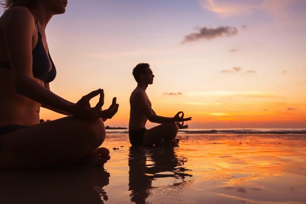 practicar yoga en Tailandia