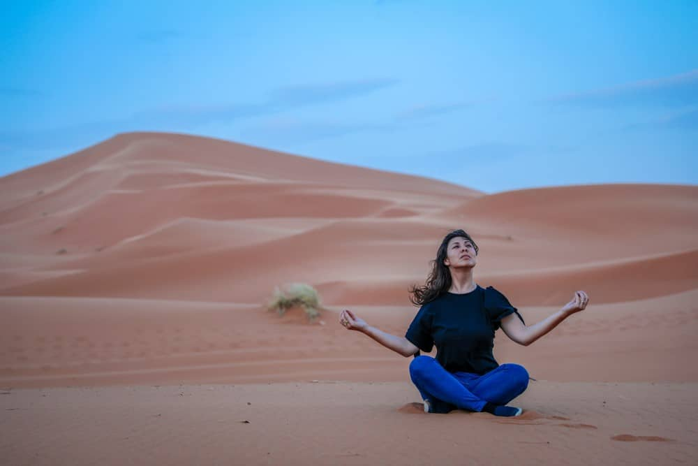 hacer yoga en Marruecos