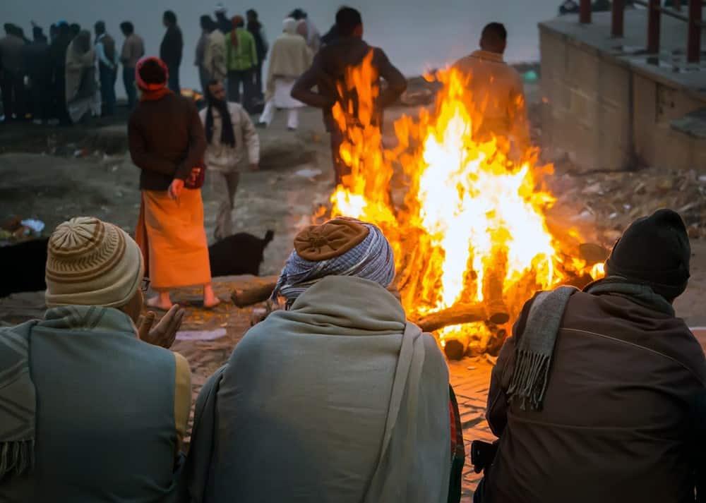 cremación en Varanasi