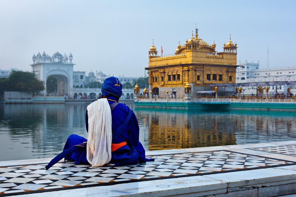 El templo de Amritsa es un imperdible que ver al norte de India