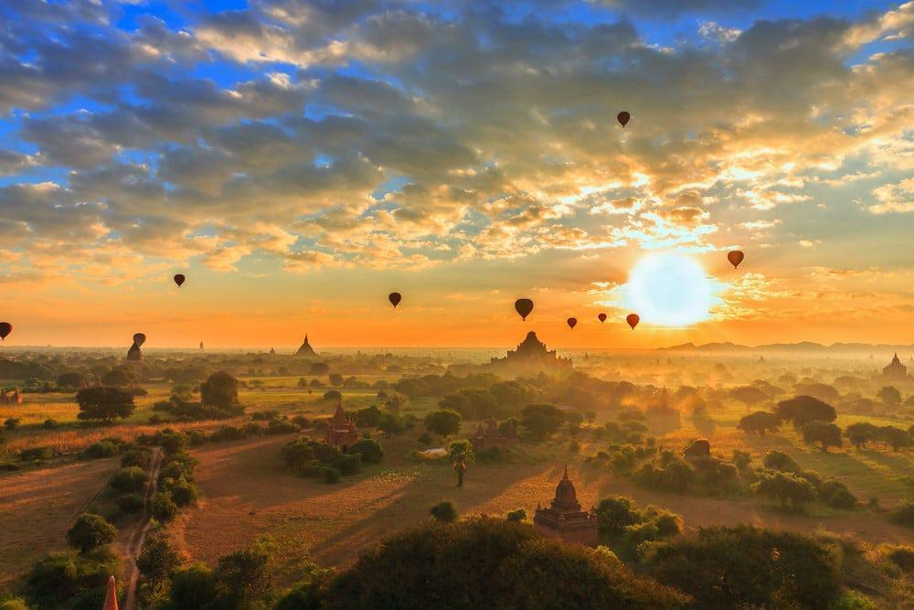 volar en globo en Bagan