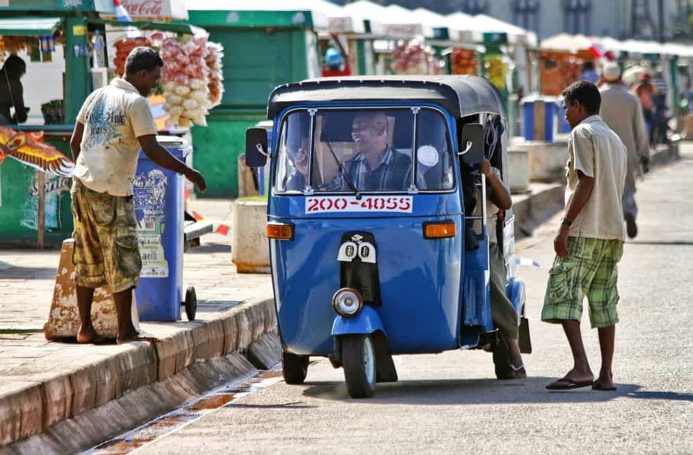 alquiler de tuk-tuk en Sri Lanka
