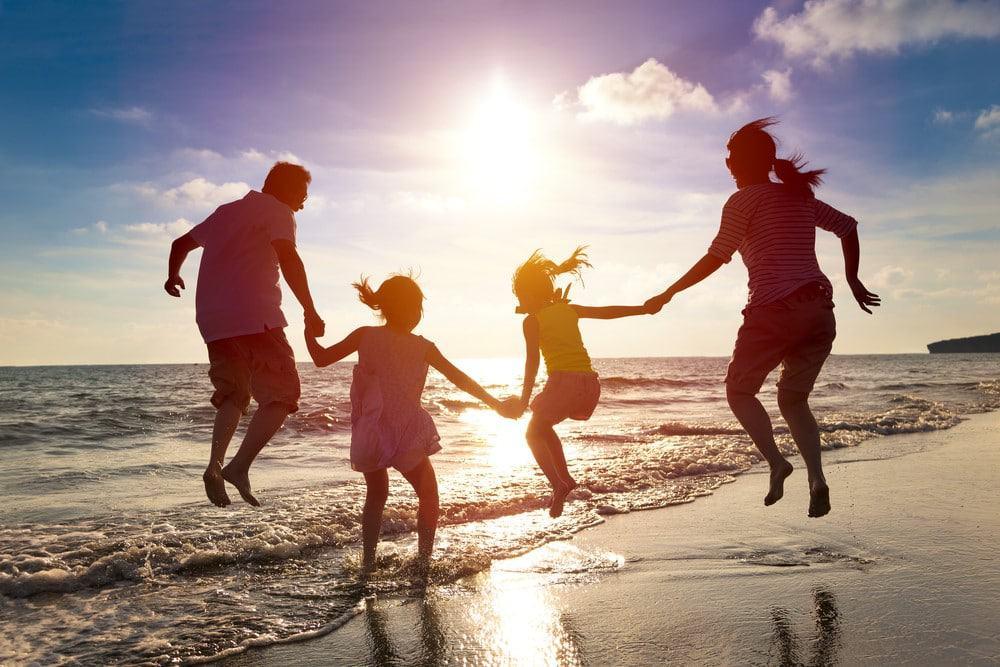 los beneficios de viajar con niños