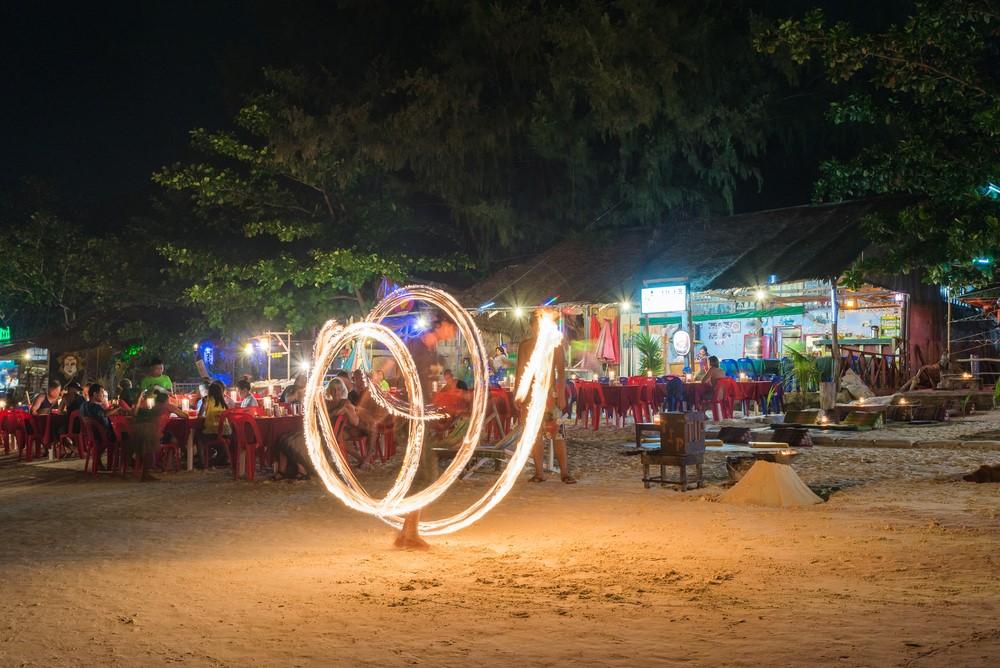 Koh Lipe de noche y fiesta