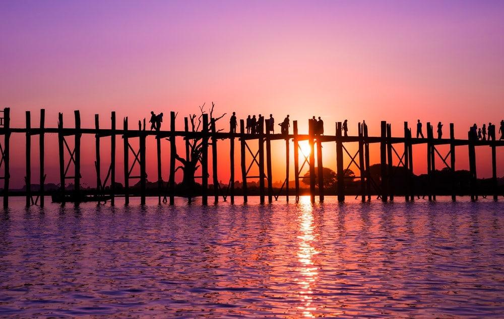 atardecer en el puente U-Bein