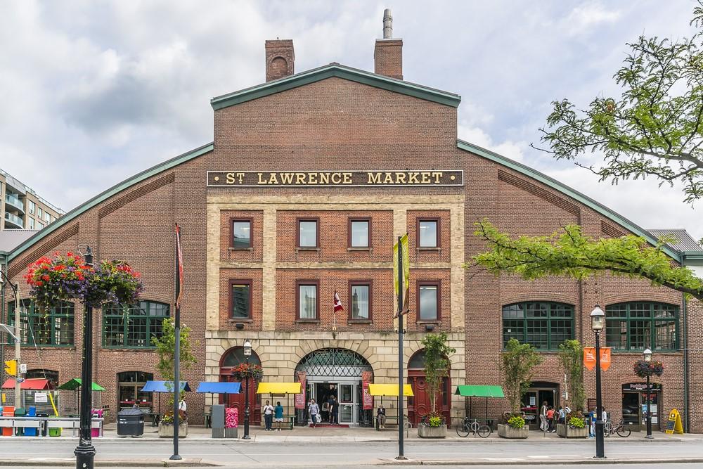 Curiosear entre los puestos de St Lawrence Market