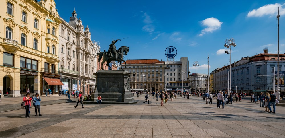 La plaza Ban Jelacic, lugar que visitar en Zagreb