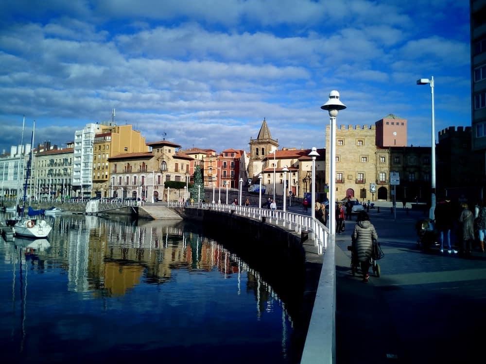 Visitar Gijon en ruta por Asturias