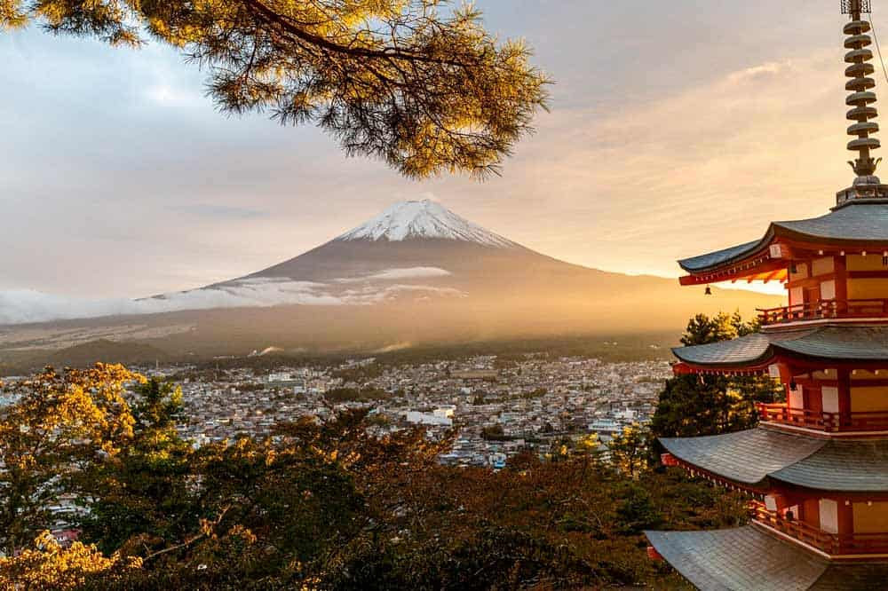vistas del Monte Fuji desde la pagoda