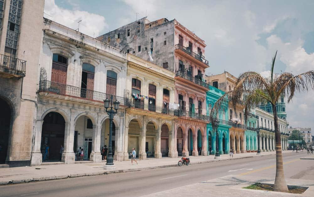 se puede viajar a Cuba desde España