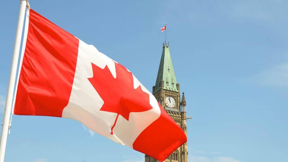 contratar seguro para viajar a Canadá