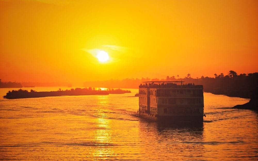 crucero por el Nilo en la ruta por Egipto