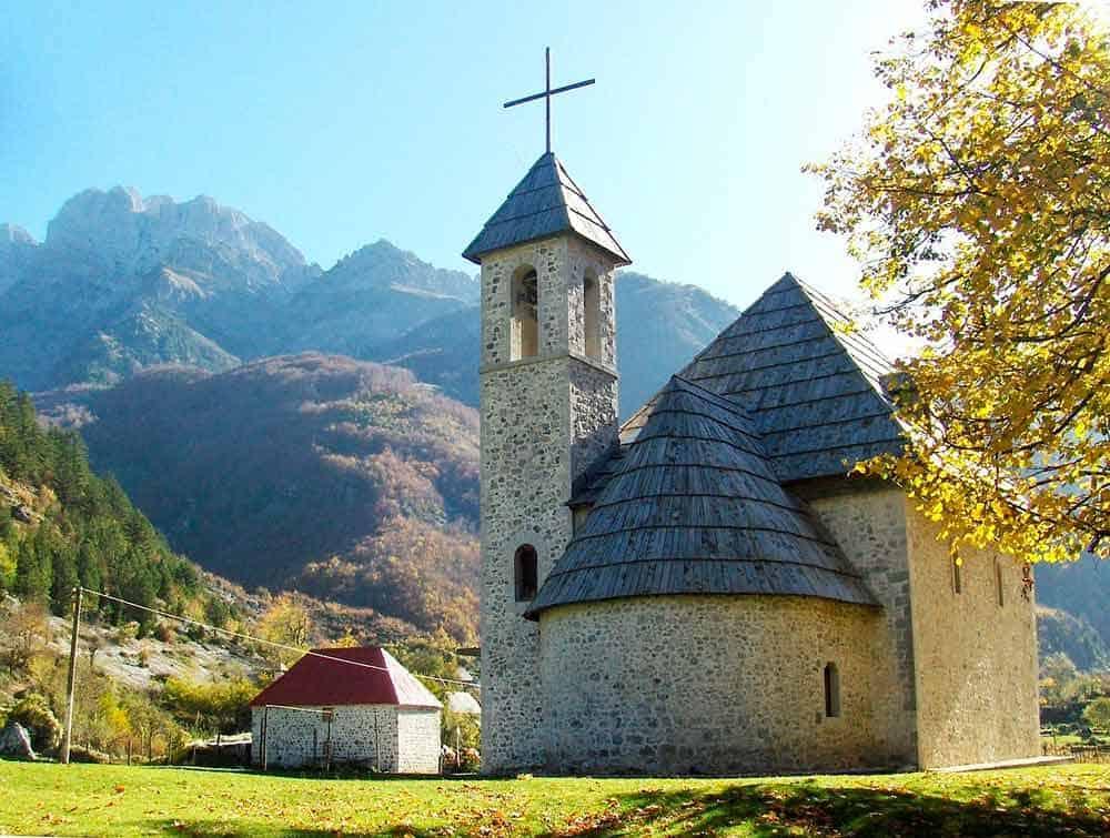 requisitos y documentos obligatorios para viajar a Albania ahora