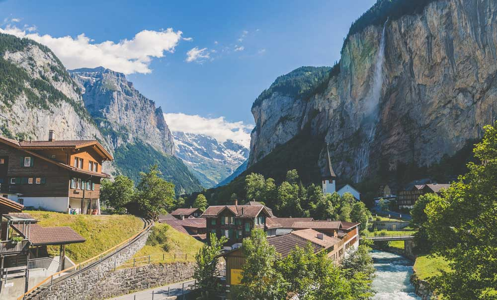 contratar seguro de viaja Suiza con coberturas amplias