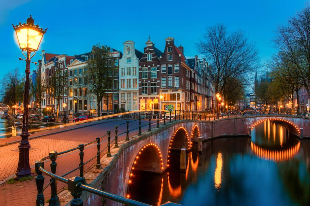 canal tipico holandes cidade perfeita