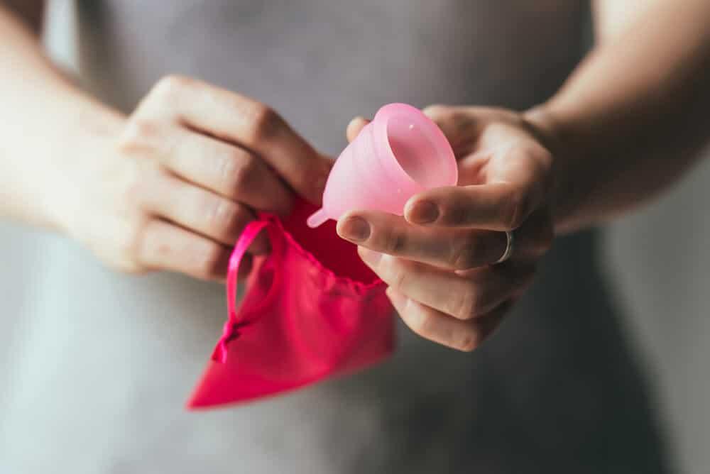 usar copo menstrual durante uma viagem