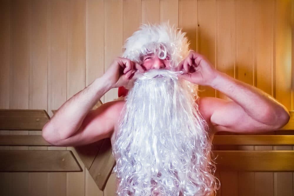 pai natal na sauna na finlandia