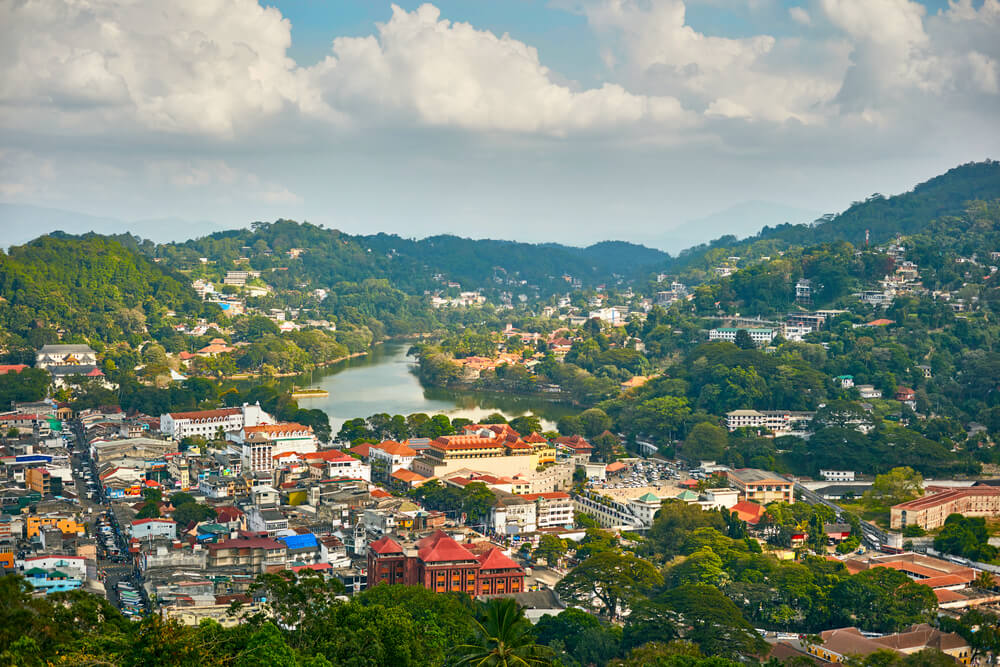 vista aerea da cidade de kandy no sri lanka