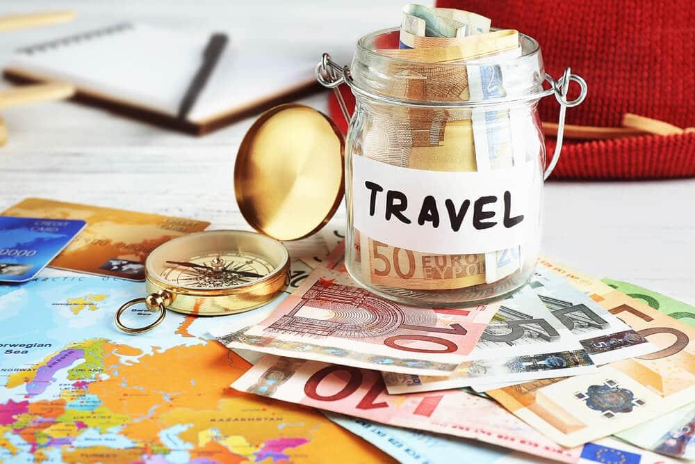 pote de poupanças para viajar