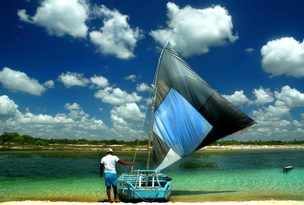 barco na praia de jericoacoara