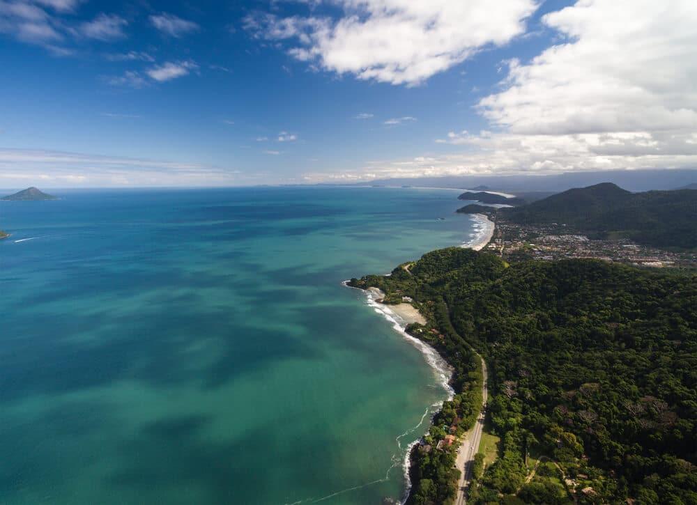 vista aerea da praia de sao sebastiao