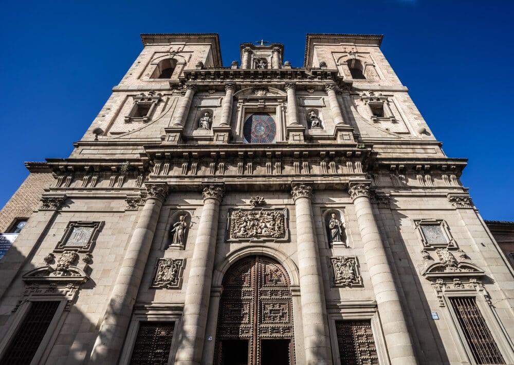 fachada principal da igreja dos jesuitas