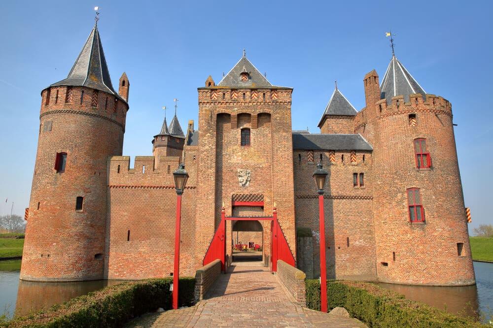 entrada principal do castelo de muiderslot