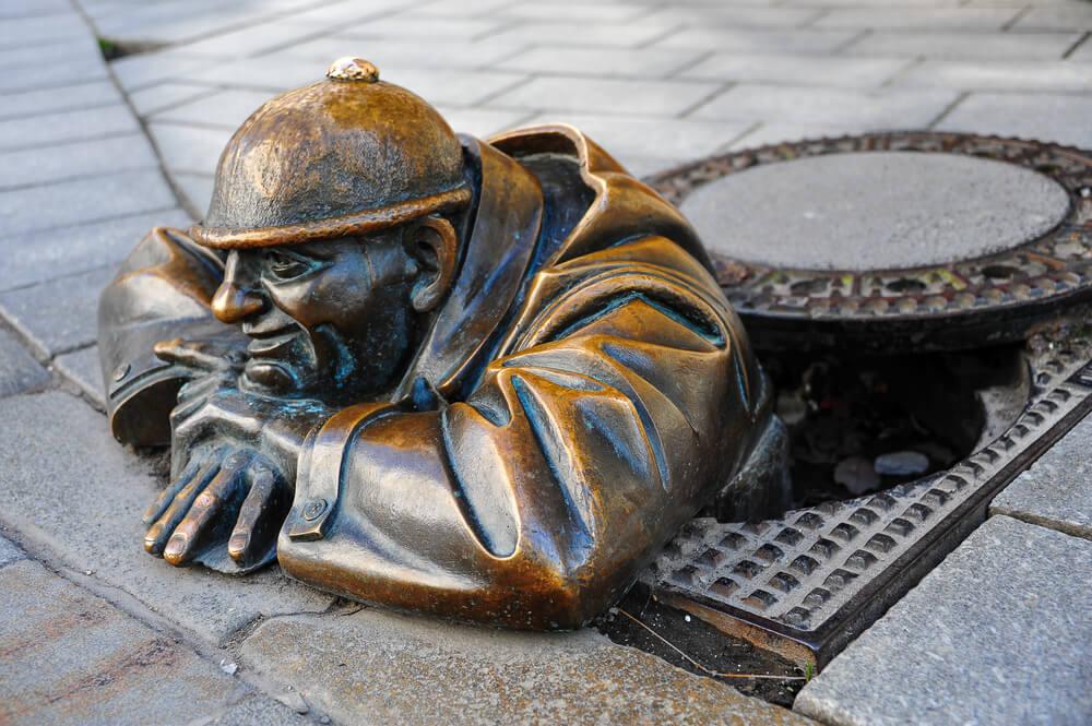 estatua do cumil em bratislava