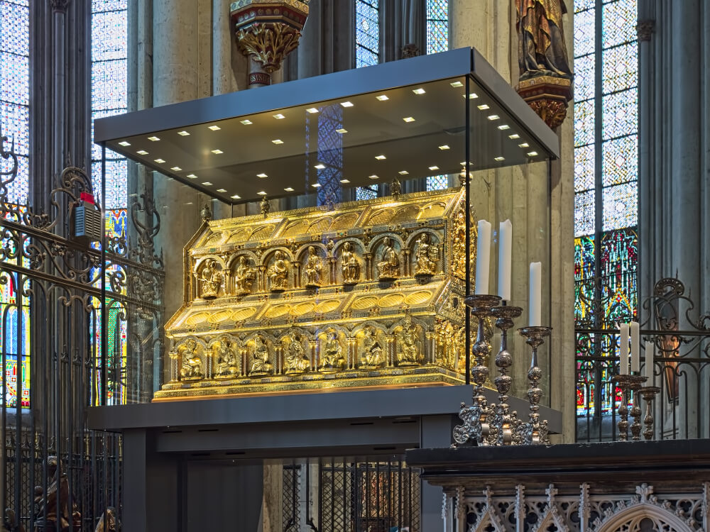 sarcófago dos tres reis magos na catedral de colonia