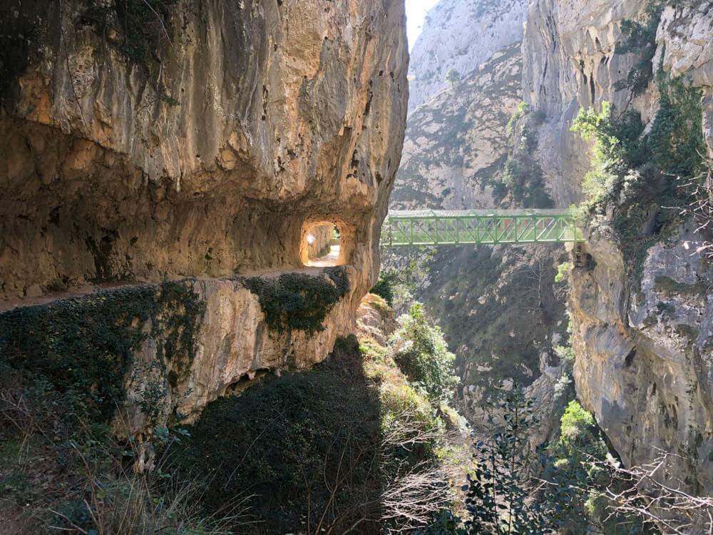 ponte num dos tramos da ruta del cares