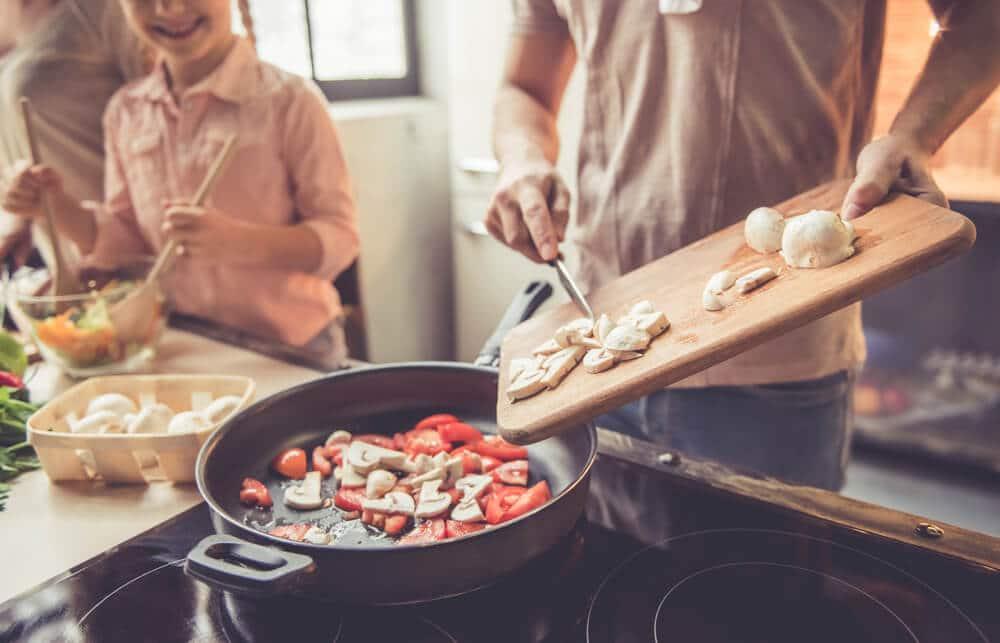 cozinhar em casa para poupar dinheiro