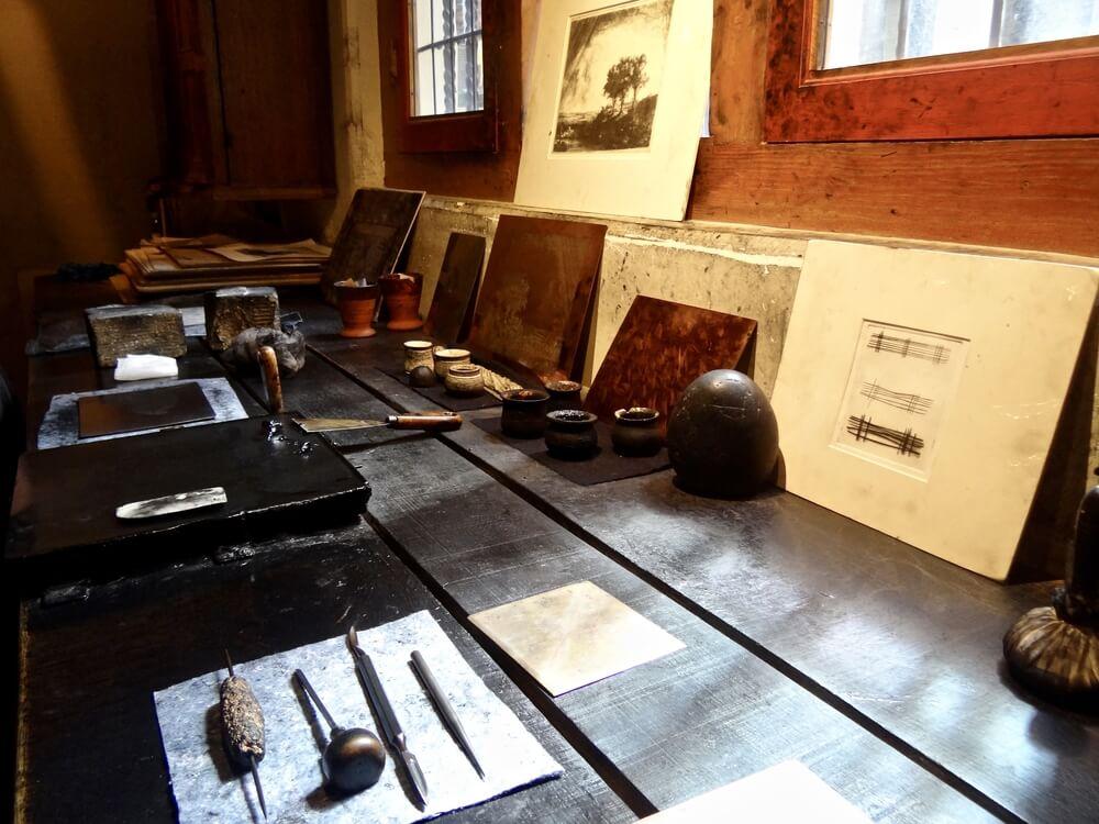 detalhes das ferramentas utilizadas no museu rembrandt