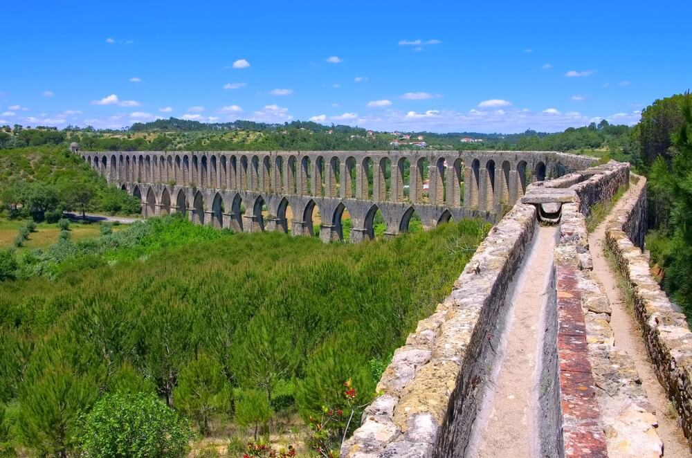 vista do aqueduto dos pegões