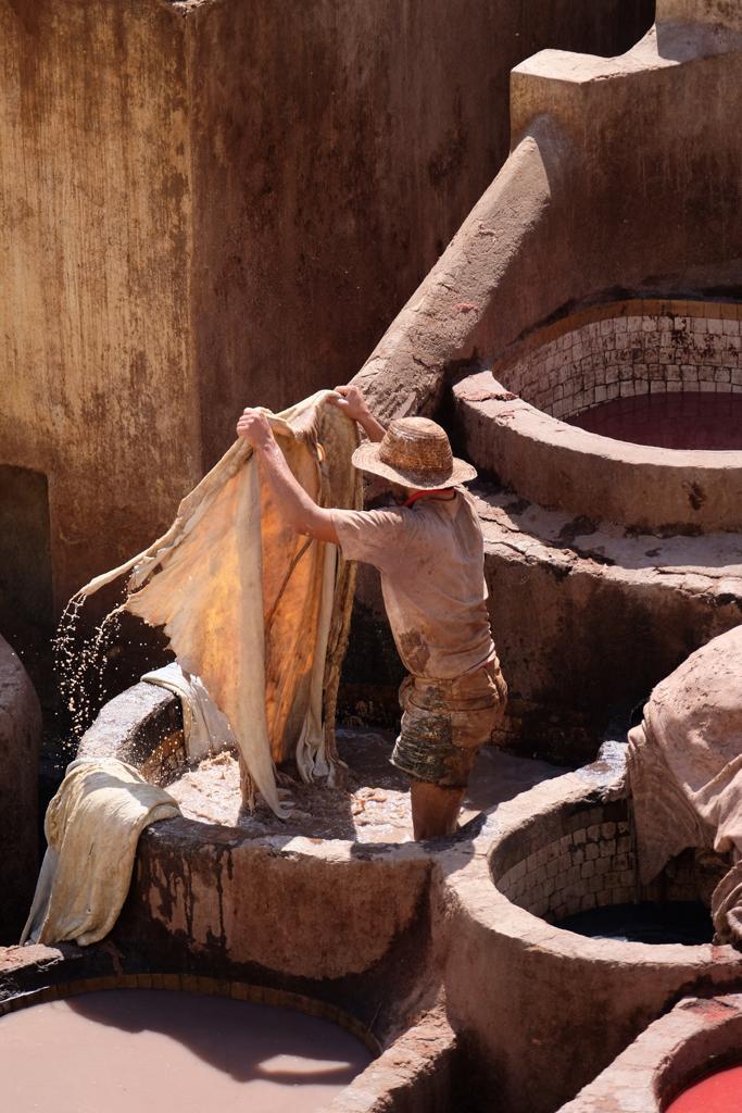 curtiçao de peles na medina de fez