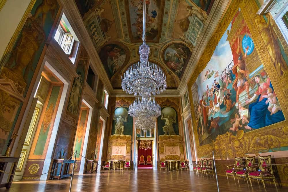 um dos saloes do palacio nacional da ajuda