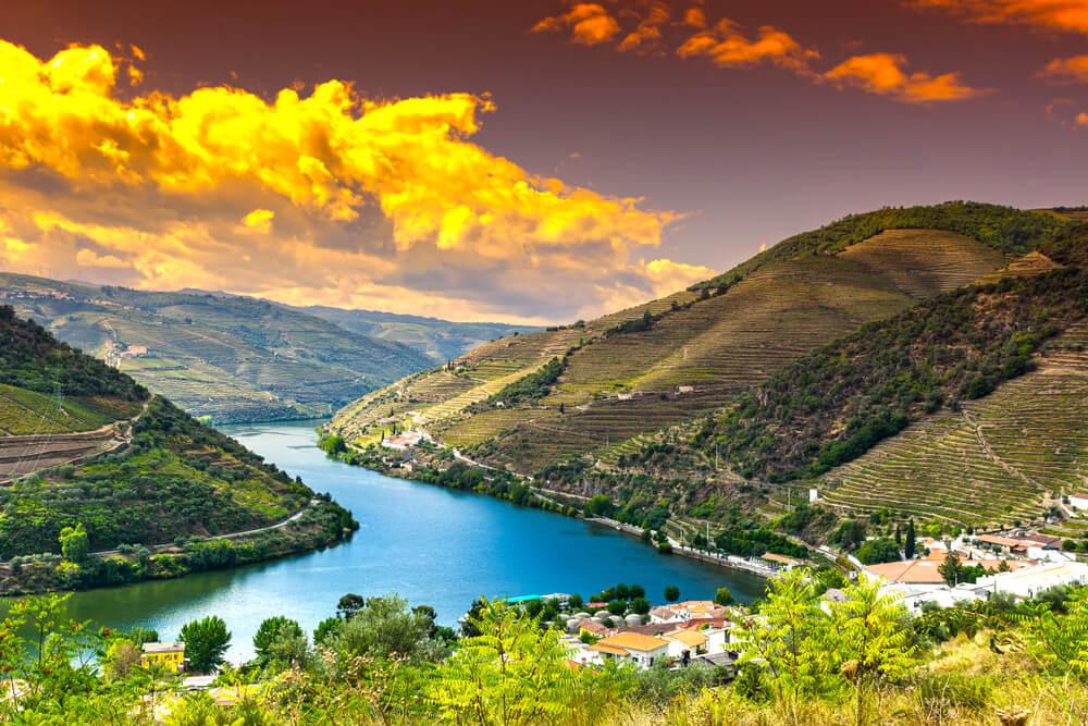 panoramica do rio douro e das suas encontas