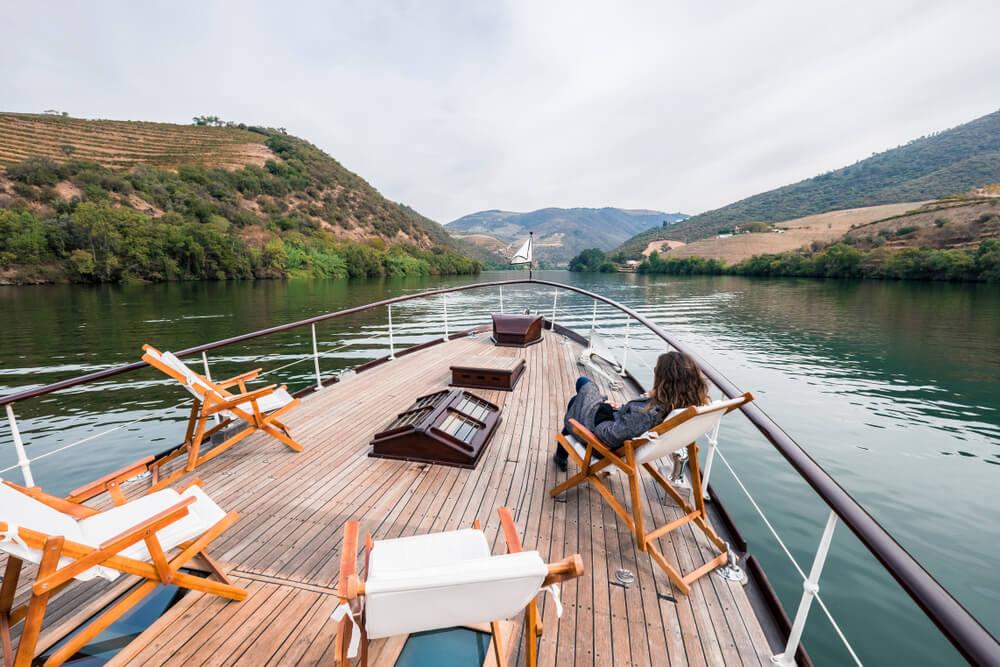 passeio de barco pelo rio douro