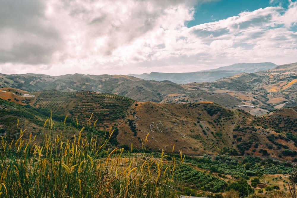 vistas panoramicas da zona montanhosa de creta