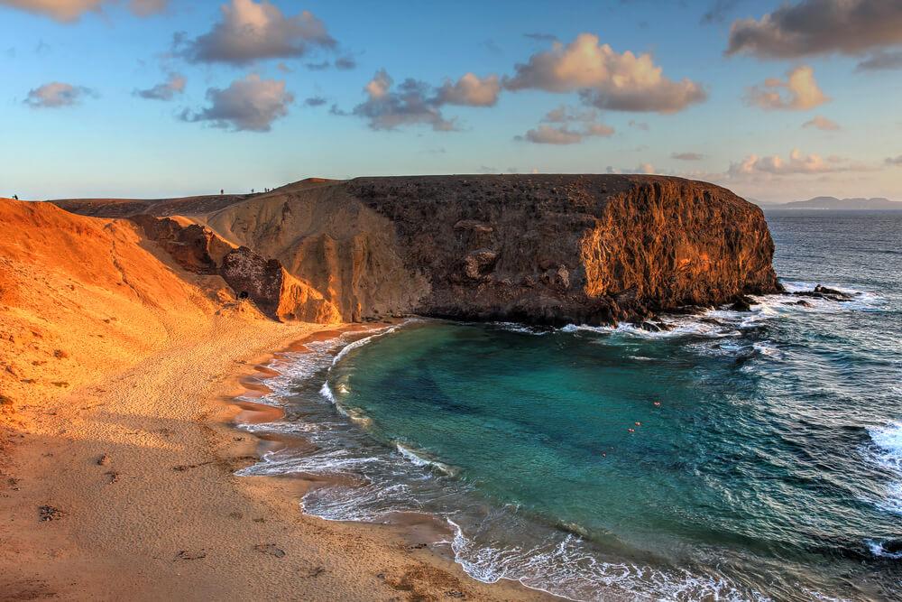 panoramica da praia papagaio em lanzarote